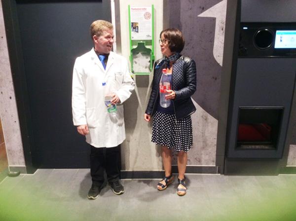 Aktion Pfandtastisch helfen Edeka Hundrieser und Pro Mobil, Velbert