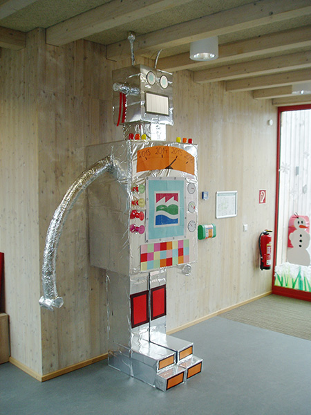 Nao, ein kleiner, beweglicher Roboter, den Studenten vom Campus Velbert/Heiligenhaus entwickelt haben