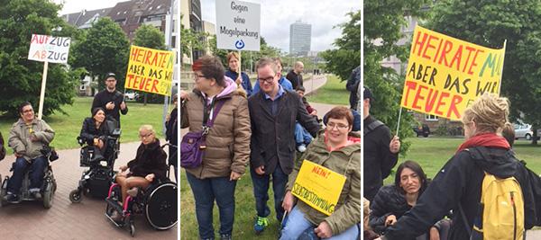 Kunden und Betreuer nehmen teil an der Demo in Düsseldorf zum Bundesteilhabegesetz